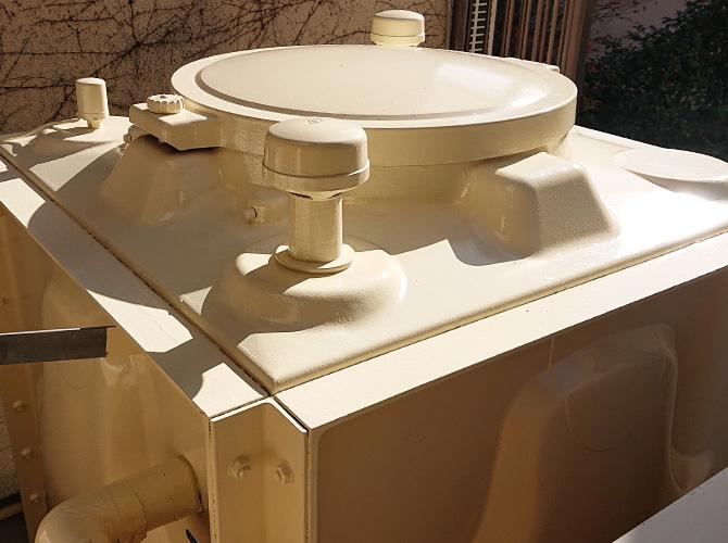 受水槽の塗装完了