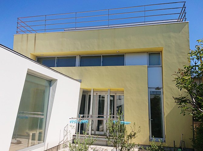 世田谷区3階建戸建住宅の外壁塗装工事の施工前