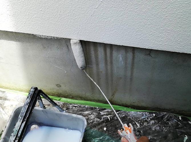 基礎塗装の下塗り