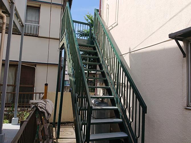 千葉県市川市アパートの鉄骨階段塗装工事の施工後