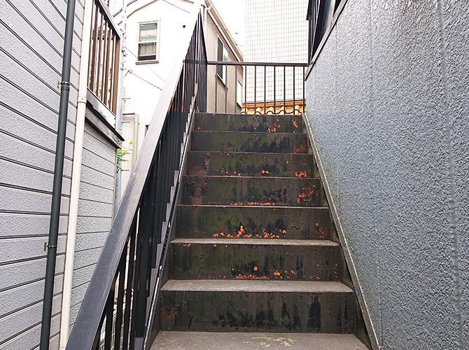 東京都大田区アパートの外階段塗装・廊下工事の施工前