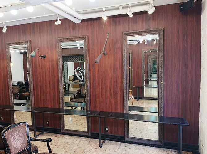 美容室鏡まわりの施工前