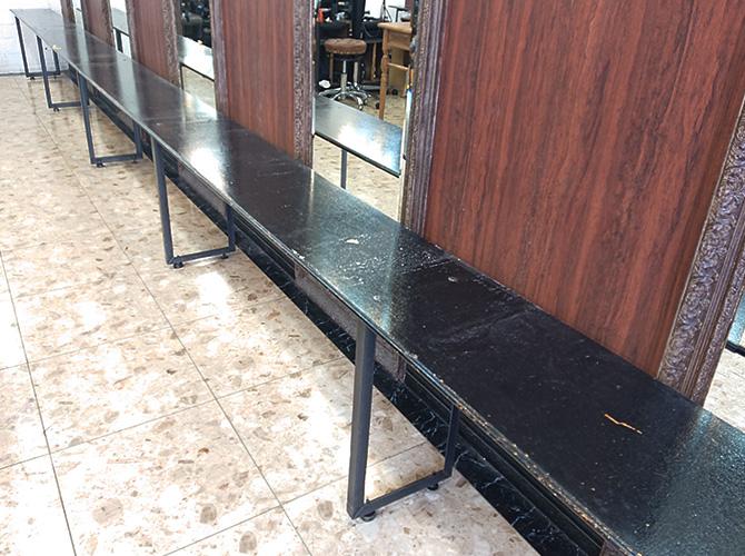 テーブル塗装の施工前
