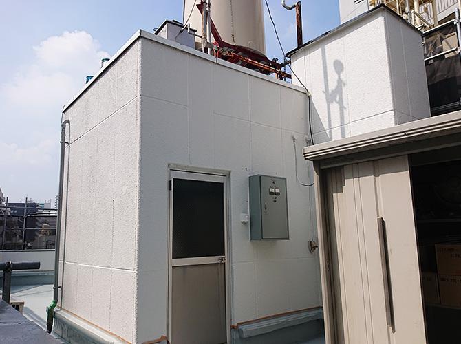 神奈川県川崎市商業ビルの屋上塔屋塗装工事の施工後