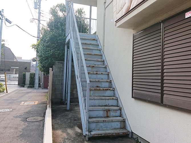 外階段リフォームの施工前