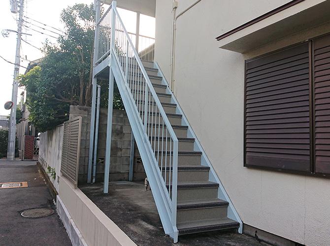 アパート階段工事完了後