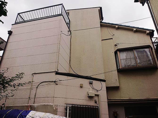 東京都足立区千住2階建住宅の外壁塗装・屋上防水工事の施工前