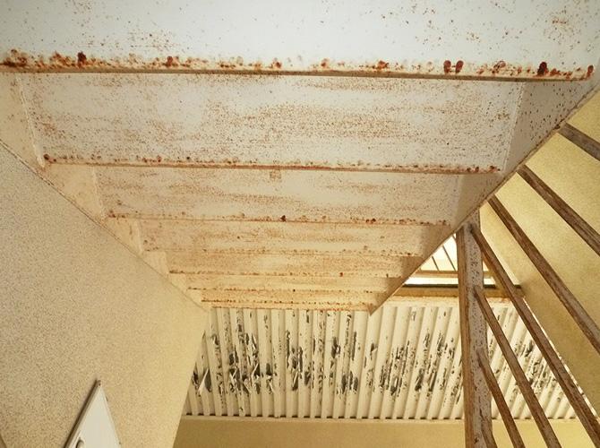 神奈川県川崎市アパートの鉄骨階段サビ止め塗装工事の施工前