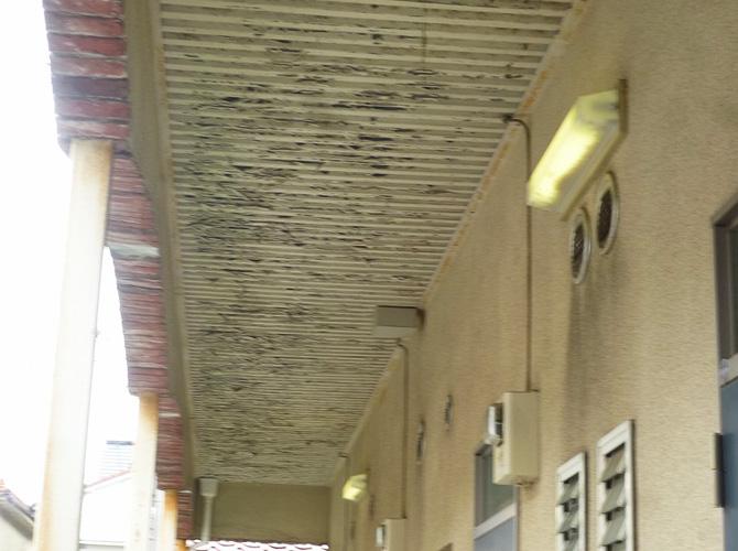 鉄骨階段の塗装前