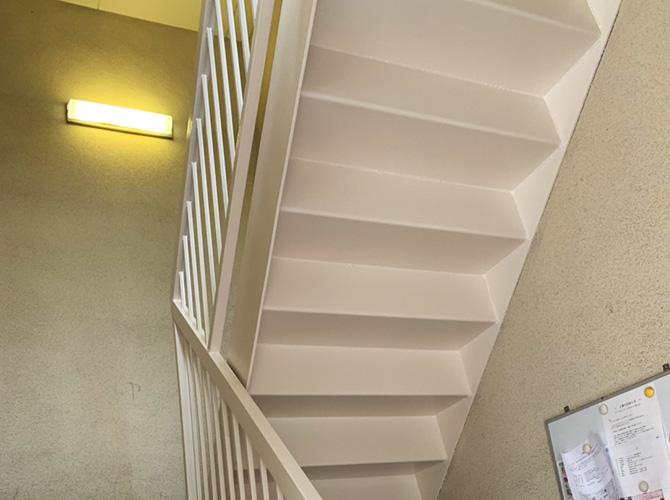 神奈川県川崎市アパートの鉄骨階段サビ止め塗装工事の施工後