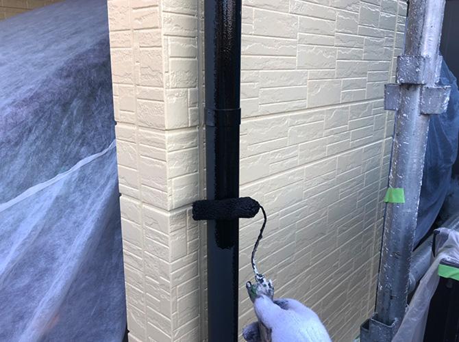 雨樋塗装の下塗り