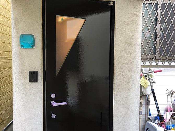 東京都板橋区住宅の玄関ドア塗装工事の施工後