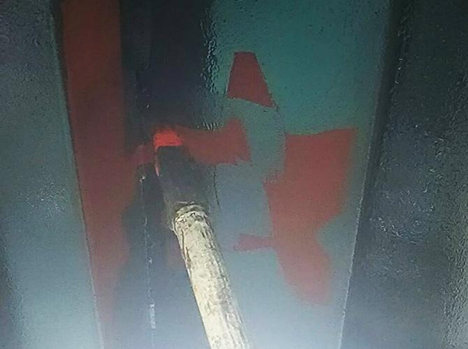 階段塗装の上塗り