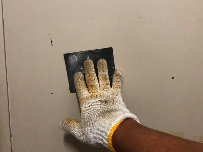 東京都墨田区オフィスビルの玄関ドア塗装工事の施工前