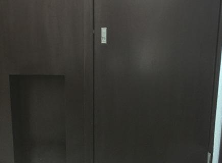 東京都品川区マンションのPS扉塗装工事の施工後