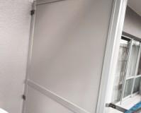 マンションのバルコニー隔て板の塗装