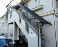 東京都小金井アパートの階段塗装・鉄部塗装・波板交換工事の施工事例