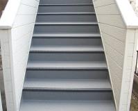 埼玉県春日部市アパートの階段長尺シート工事の施工事例