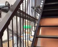 東京都杉並区アパートの鉄骨階段サビ止め塗装工事の施工事例