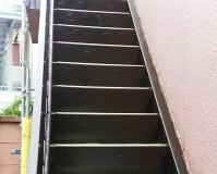 東京都品川区アパートの鉄骨階段サビ止め塗装工事の施工事例