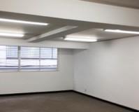東京都千代田区オフィスビルの内装塗装工事の施工事例