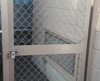 埼玉県越谷市マンションのフェンス鉄部錆止め塗装工事の施工事例