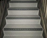 東京都世田谷区マンションの外階段長尺シート工事の施工事例