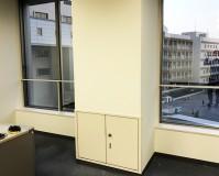 東京都渋谷区学校内の壁やドアなど内部塗装工事の施工事例