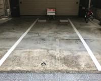 東京都新宿区住居兼アパート一階部分の駐車場ライン引き塗装の施工事例
