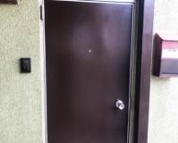 東京都江戸川区アパートの玄関ドア錆び止め塗装工事の施工事例