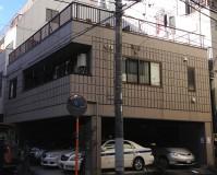 東京都台東区一階駐車場住宅の外壁塗装・シール打ち替え工事の施工事例