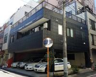 東京都台東区1階駐車場3階建住宅の外壁塗装・シール工事の施工事例