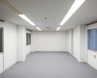 東京都千代田区オフィスビルの内部塗装工事の施工事例