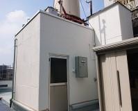 神奈川県川崎市商業ビルの屋上塔屋塗装工事の施工事例