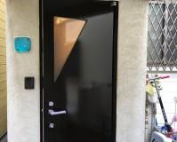 東京都板橋区戸建住宅の玄関ドア塗装工事の施工事例