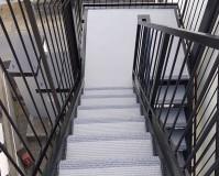 神奈川県川崎市アパートの外階段・廊下長尺シート工事の施工事例(2020/06/02)