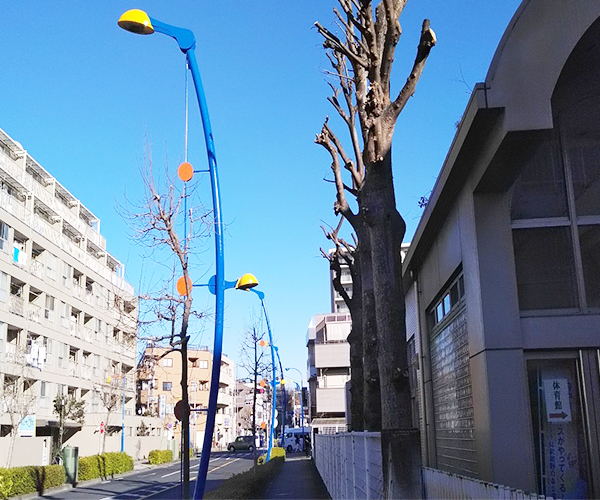 東京都府中市道路街路灯の塗装工事の施工事例(20210421)