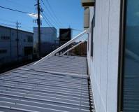 埼玉県狭山市の折板屋根塗装アーム塗装工事の施工事例(20210519)